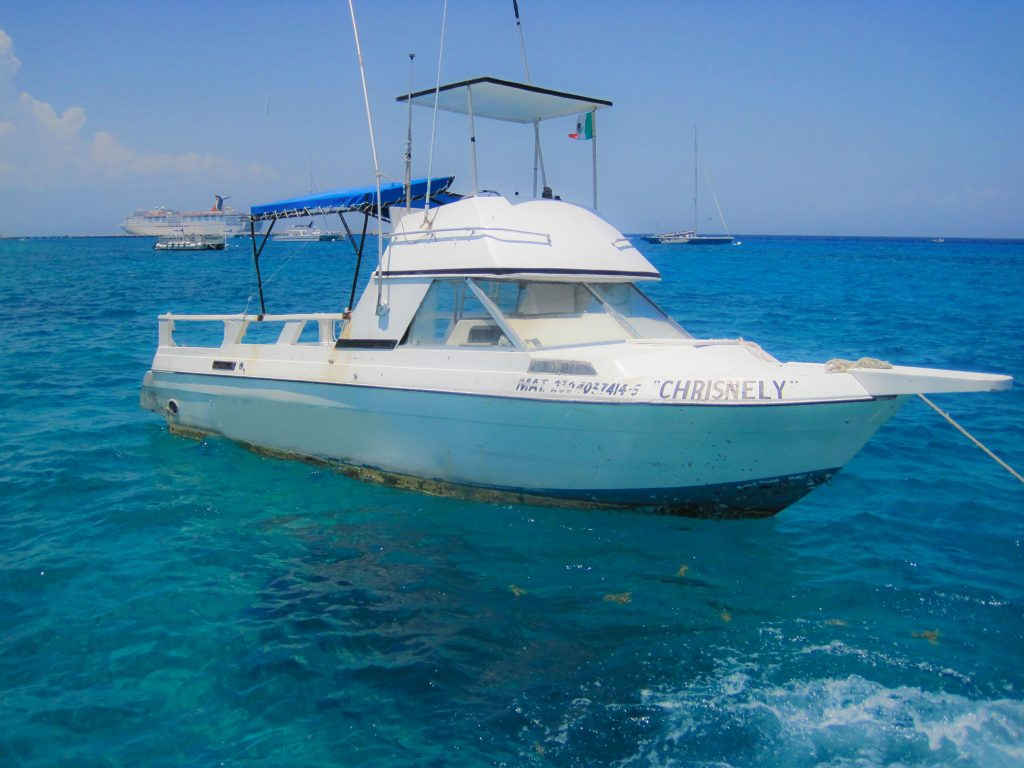 Cozumel Private Snorkeling 29' Bayline