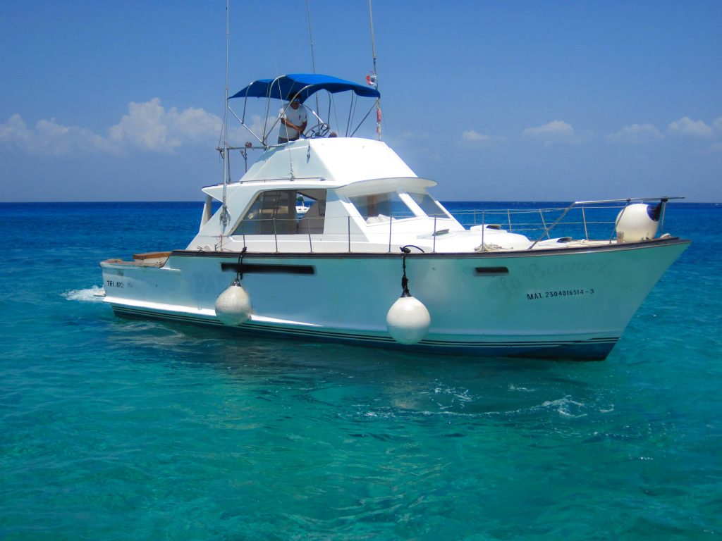 Cozumel Private Snorkeling 43' Chriscraft