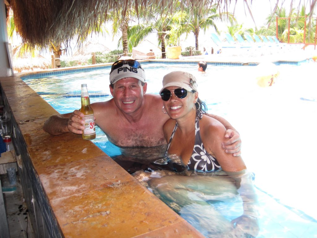 Pool Bar Nachi Cocom Beach break